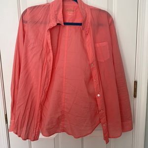 Illy Pultizer button up top